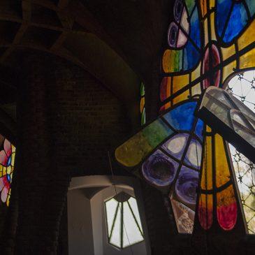 Excursiones desde Barcelona: Cripta Gaudí & Colonia Güell