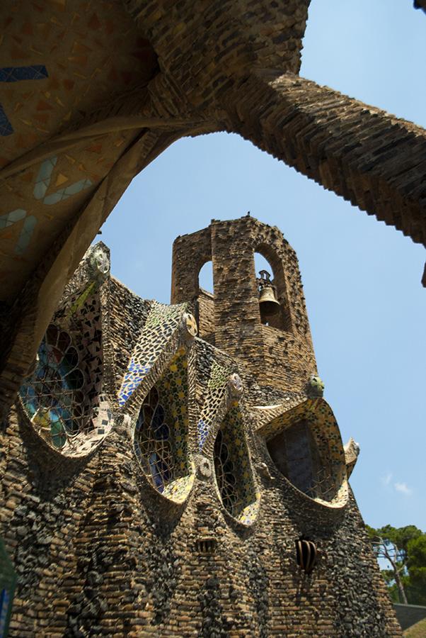 Cripta Gaudí   De Pronto A Bordo
