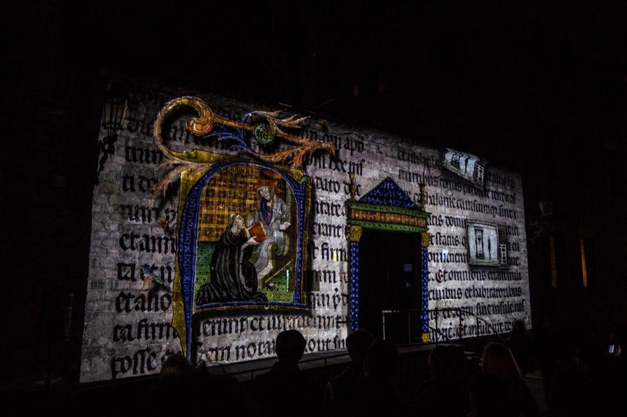 Las intervenciones de las escuelas se completan con espectáculos como los de Jordi Teixidó