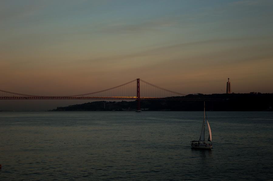 Vistas hacia Lisboa desde el MAAT