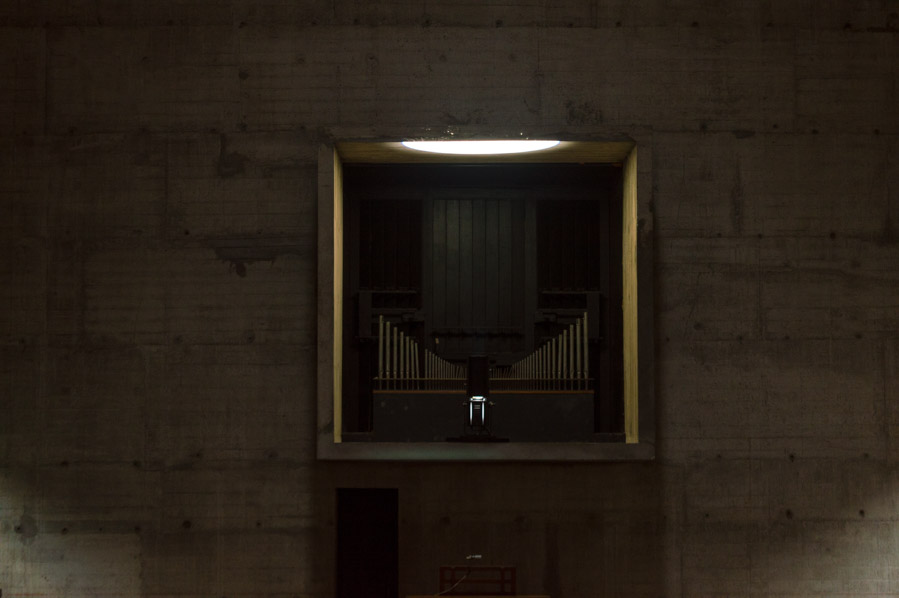 El órgano de la iglesia de Santa Maria de la Tourette