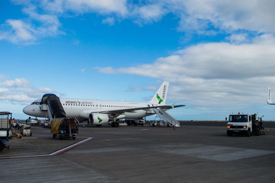 Azores Airlines y SATA, la misma cosa son, una opera vuelos regionales, la otra a aeropuertos principales