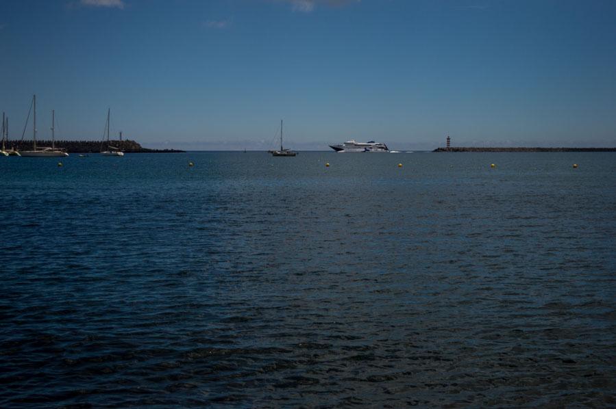 Un ferry opera la ruta amarilla, un refuerzo veraniego que se acaba en Septiembre