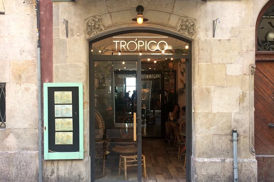 Fachada de Tropico, restaurante de Barcelona