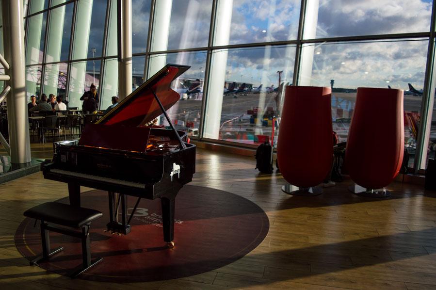Piano en el aeropuerto de Bruselas