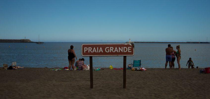 Praia Grande es la principal playa de Praia Victoria, tu puerta de entrada a Terceira en las Azores