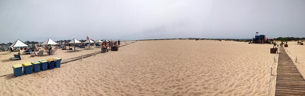 Si necesitas un día de playa, la Isla de Tavira te lo ofrece con todo tipo de servicios