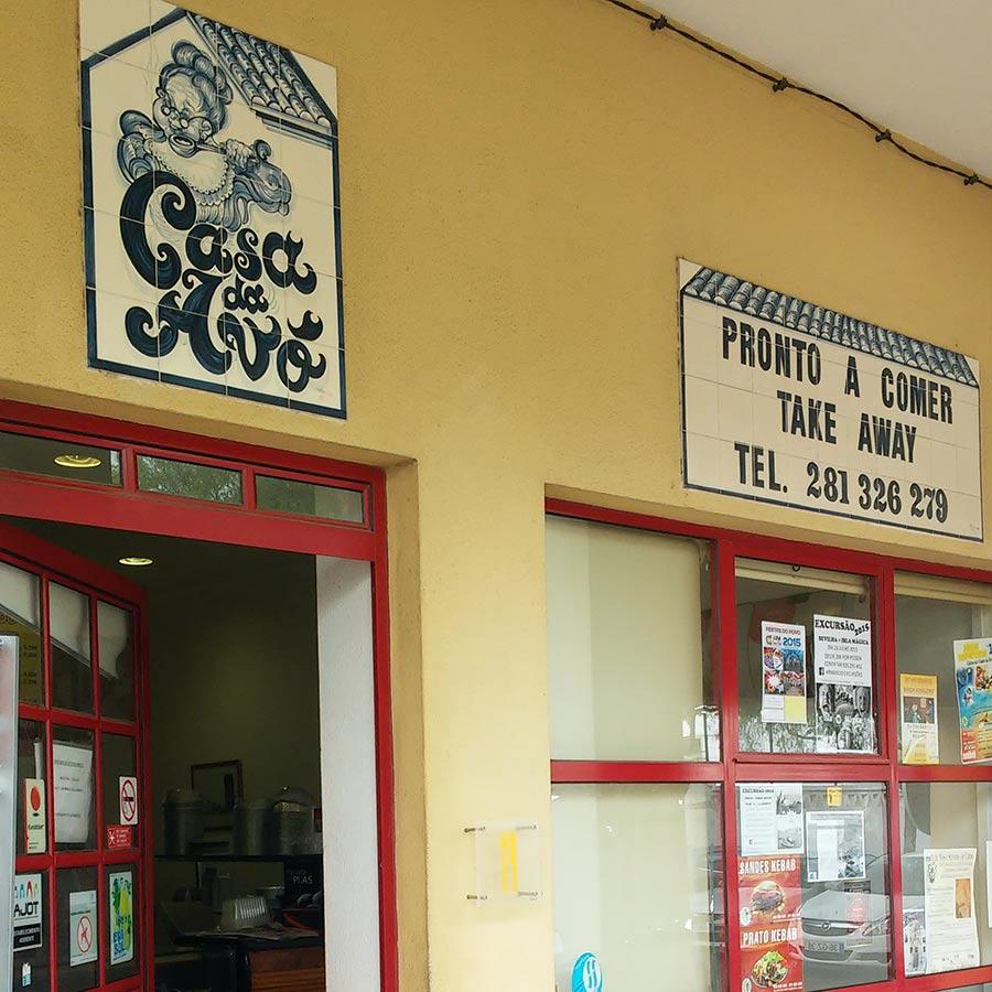 Puedes pedir tu comida para llevar en alguno de los restaurantes de Tavira