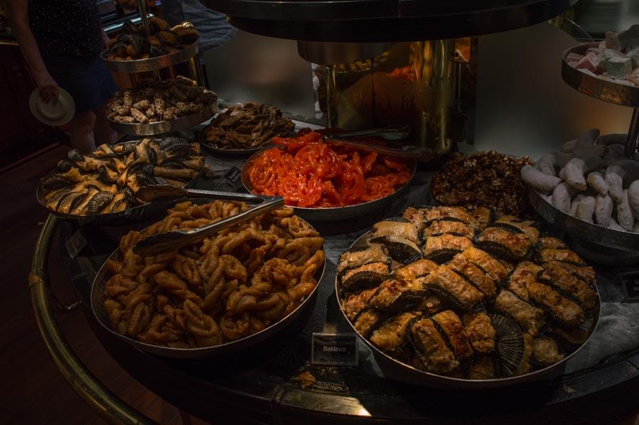 La variedad de postres marroquíes en Le Grands Buffets
