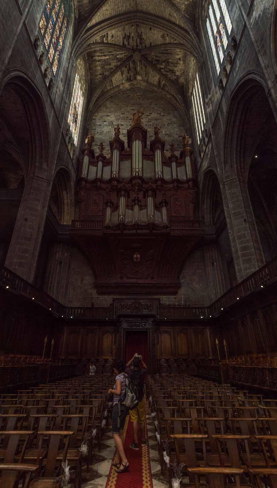 Imperioso órgano en la catedral de Narbona