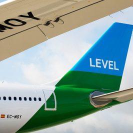 Avión de LEVEL en Barcelona