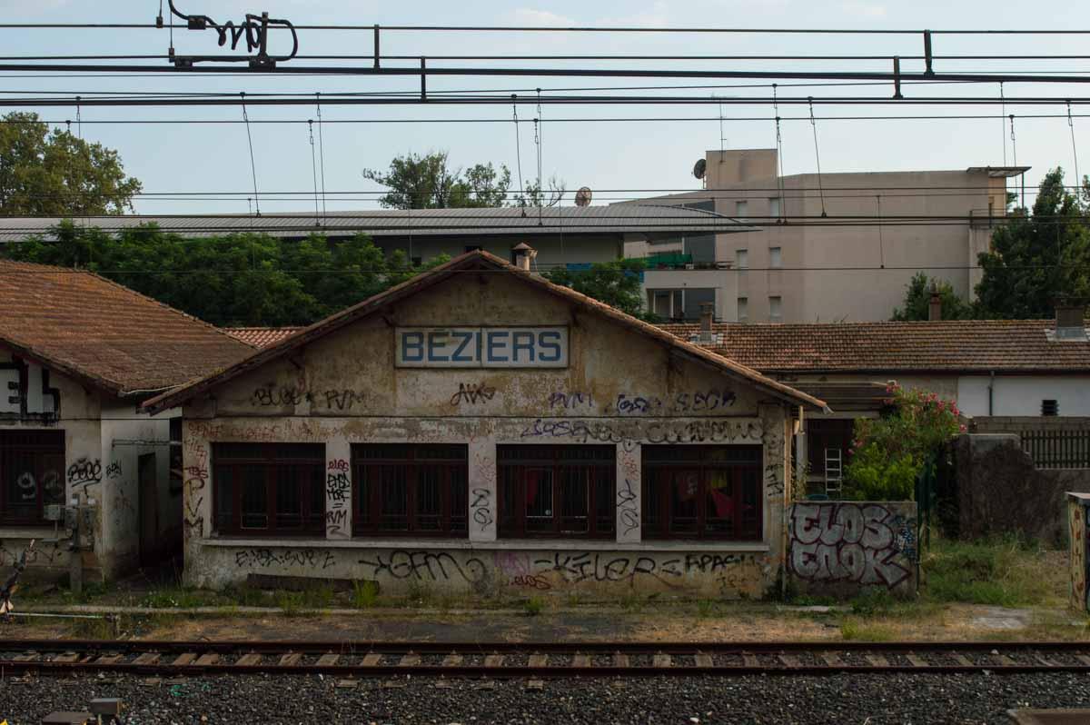 Inmediaciones de la estación de tren de Béziers, caminando desde el Puente Viejo
