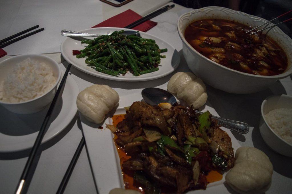 Comida típica de Sichuan en East London