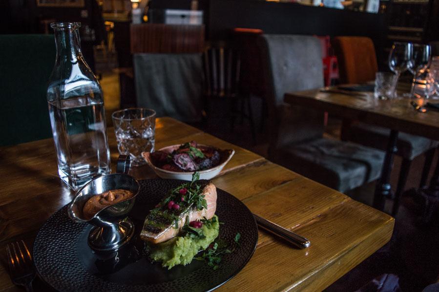 Comer en Pur Pur, comida georgiana en Helsinki