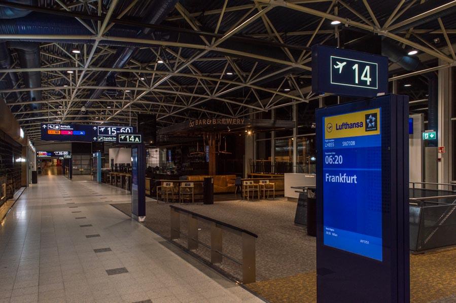 Aeropuerto de Helsinki por la noche