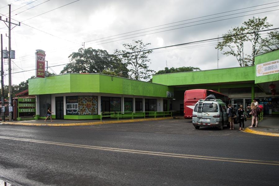 Terminal de autobuses en Cariari, Costa Rica