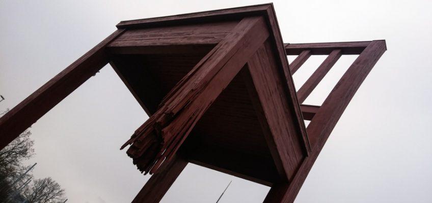 Chaise Cassée en Ginebra