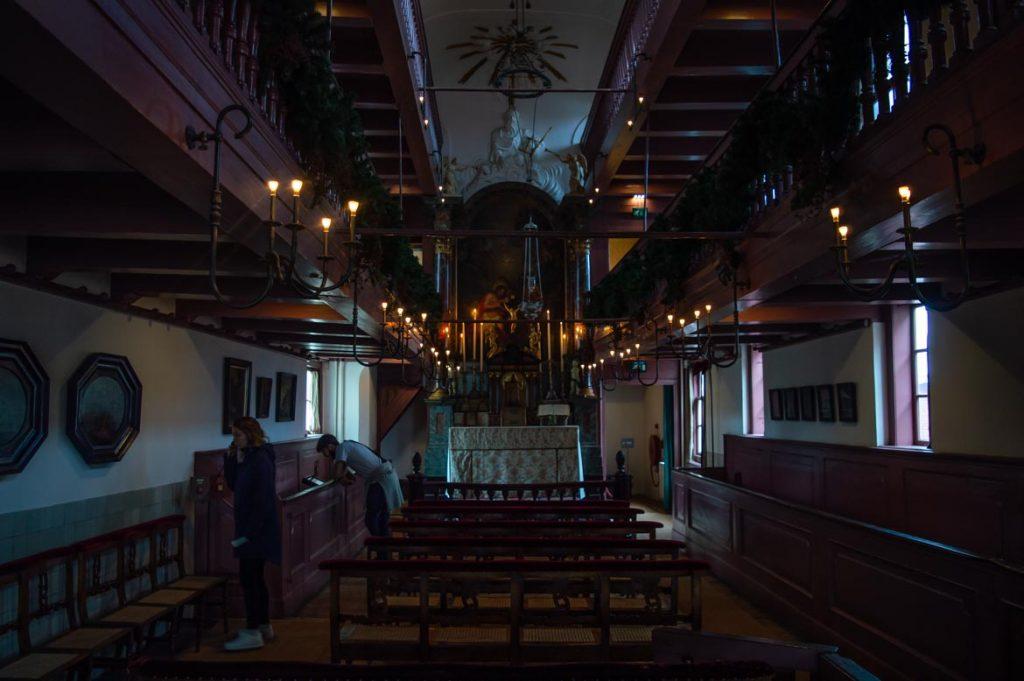 Una guardilla que esconde una iglesia clandestina, otro de los museos en Amsterdam