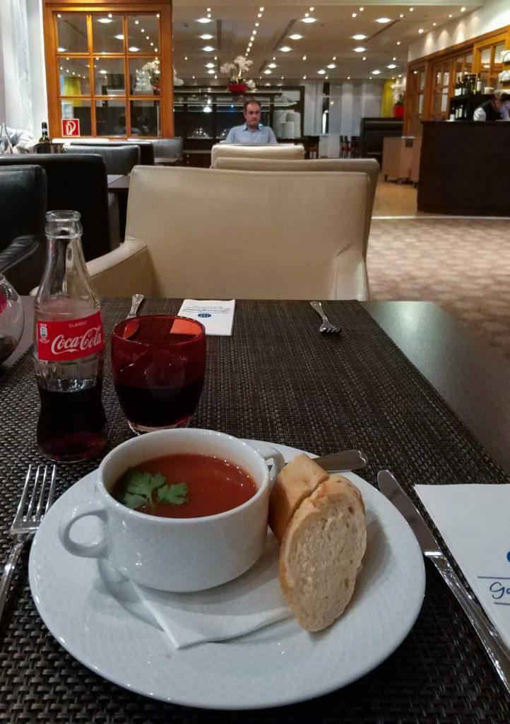 Una sopa de tomate como entrante