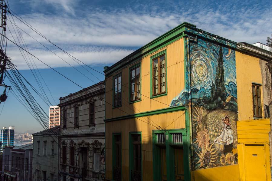 Recreación de un Van Gogh en el street art de Valparaíso