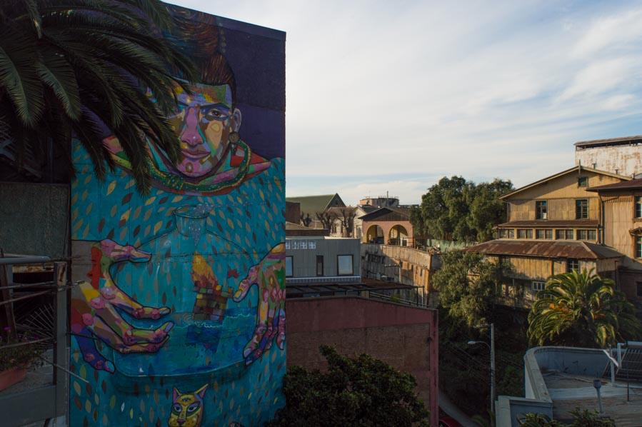 Un gran mural en Valparíso sobre la vida del artista