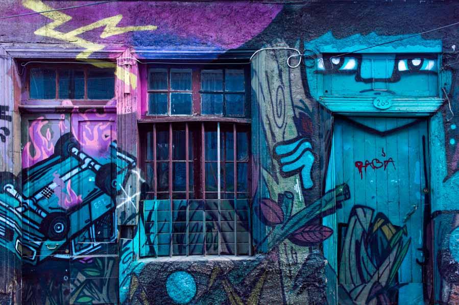 Minga de las Puertas Lúcidas en Valparaíso