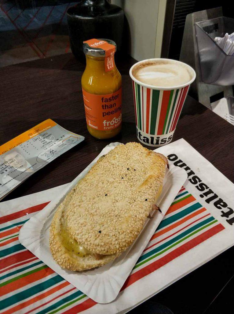 desayuno por 15€ en el aeropuerto de Fráncfort