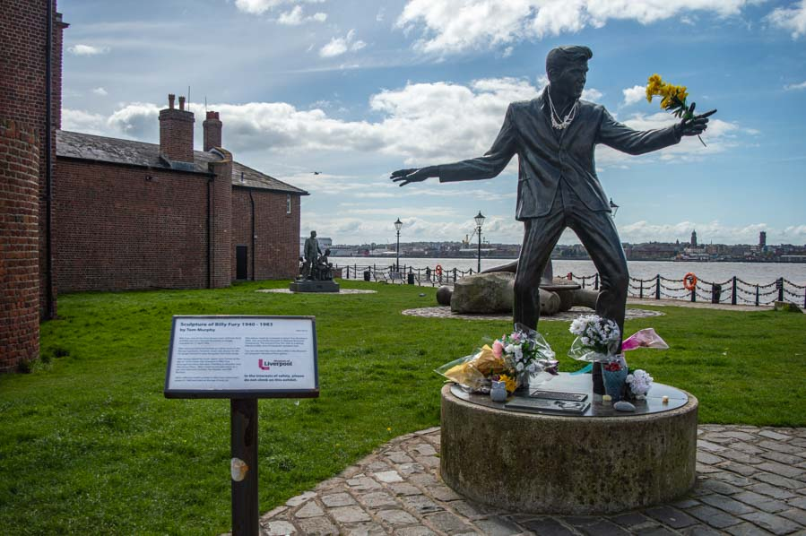 Estatua del Billy Fury en Liverpool