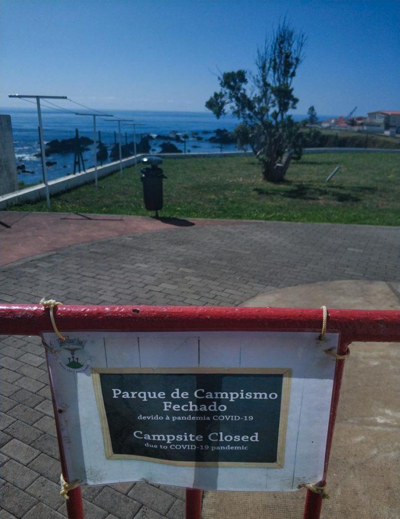 Camping de Santa Cruz de las Flores en las Azores, cerrado por la pandemia