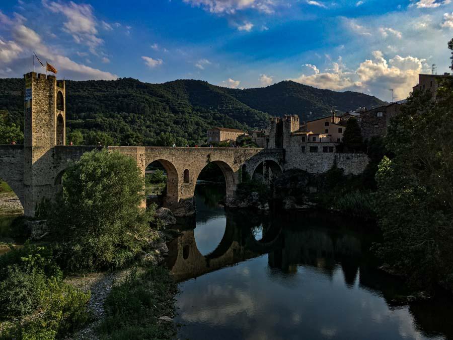 Besalú: un paseo por la Edad Media catalana
